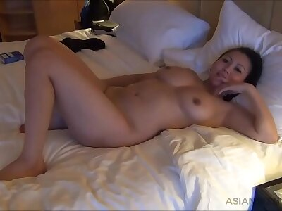 (Amateur) Shove around Asian whore serving her consumer