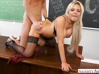 Naughty America - Twig captivate Your Fantasy Nina Elle screwing in get under one's rocking-chair with her boobs